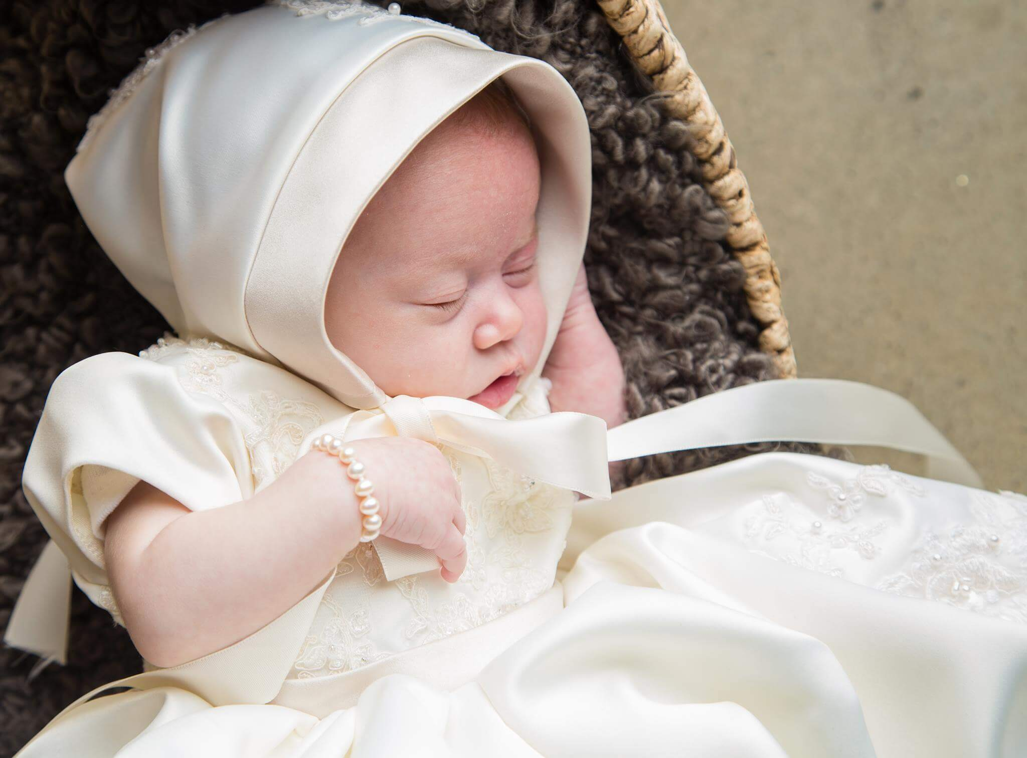 Lucy's Blessing Gown' (4)